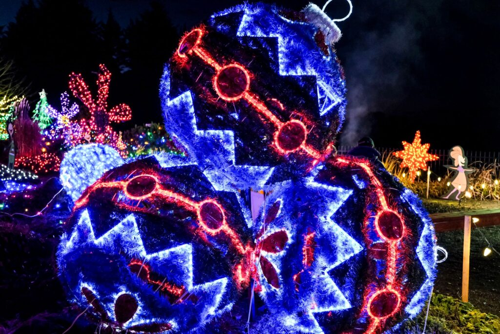 Christmas Lights In Portland, Or 2021 Christmas In The Garden Event In Silverton Oregon The Festive Holiday Event Will Return In 2021